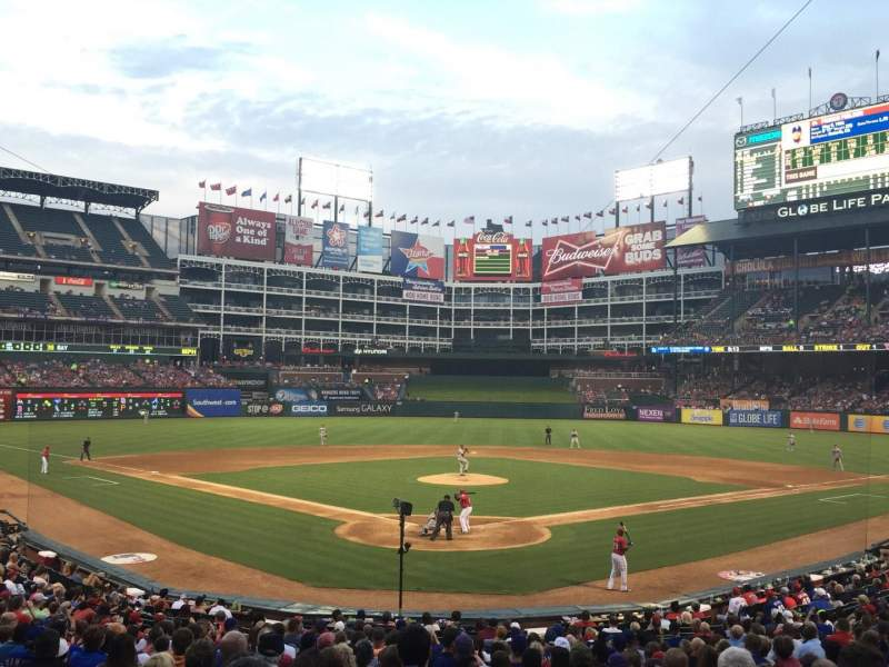 Seating view for Globe Life Park in Arlington Section 26 Row 22 Seat 11