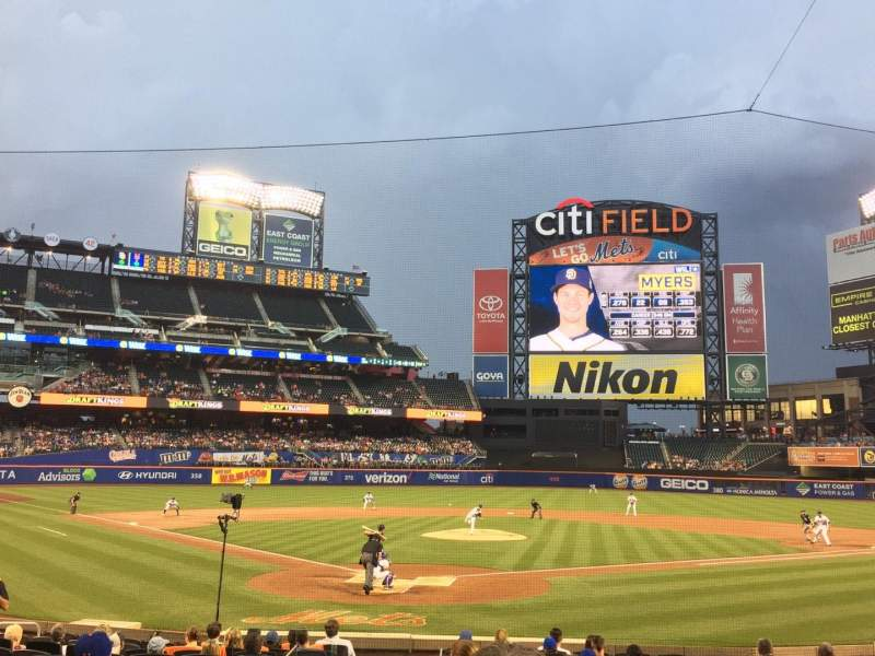 Seating view for Citi Field Section 14 Row 15 Seat 1