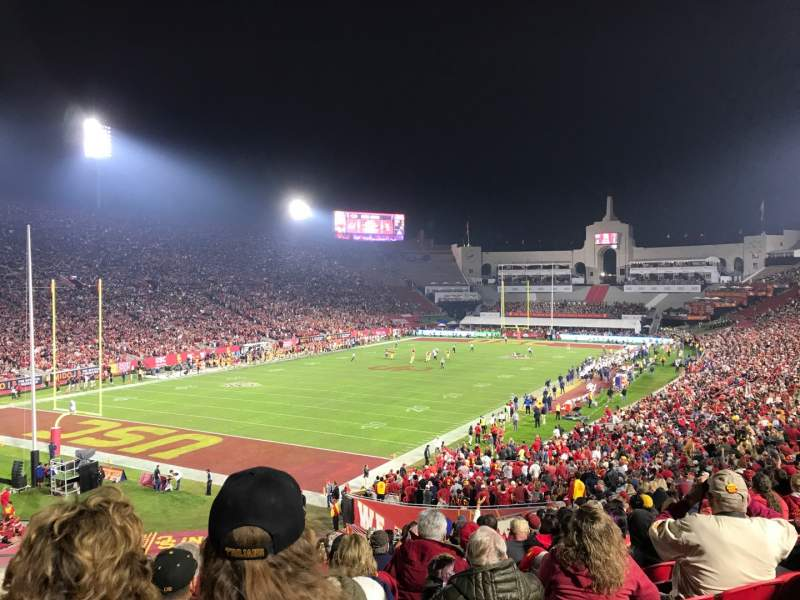 Seating view for Los Angeles Memorial Coliseum Section 211 Row 1 Seat 27