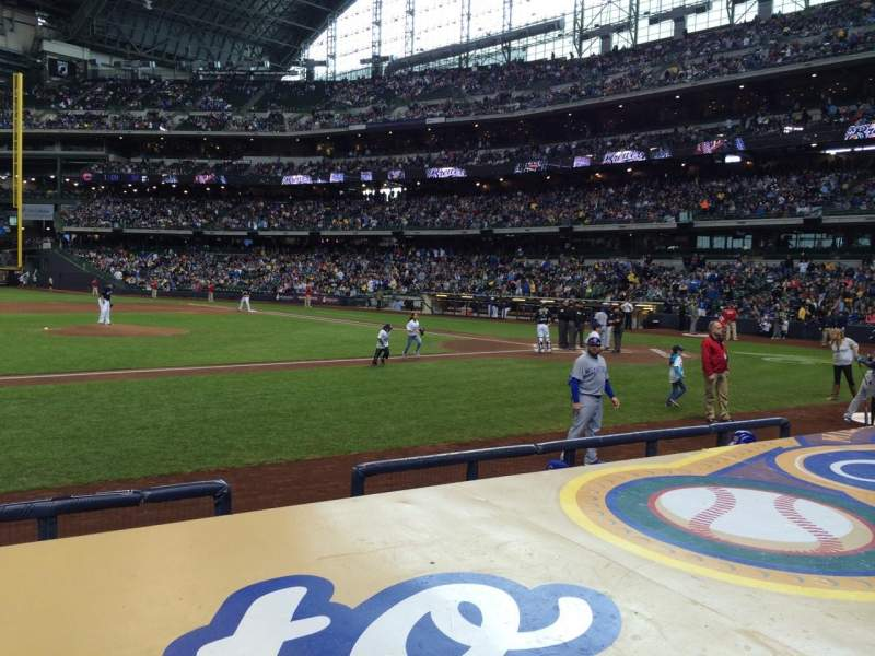 Seating view for Miller Park Section 122 Row 5 Seat 12