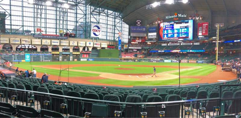 Seating view for Minute Maid Park Section 118 Row 15 Seat 16