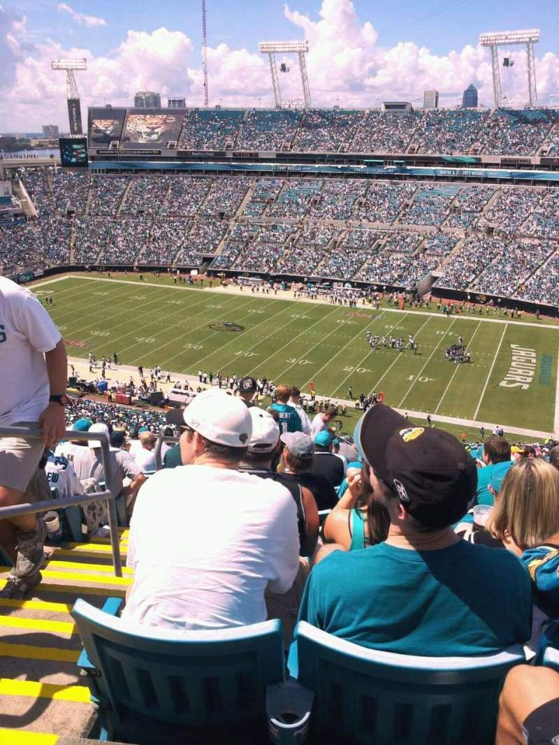 Seating view for Everbank Field Section 432 Row t Seat 27