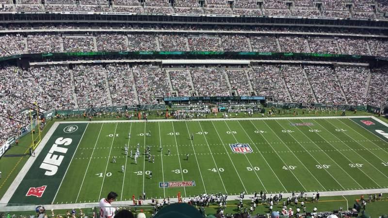 MetLife Stadium, section: 340, row: 15, seat: 22