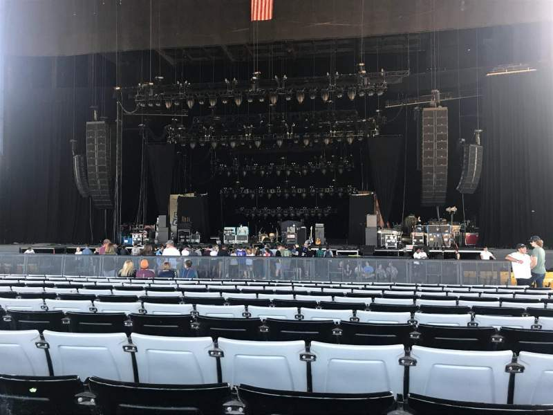 Hollywood Casino Amphitheatre (Tinley Park), section: 103, row: FF, seat: 11