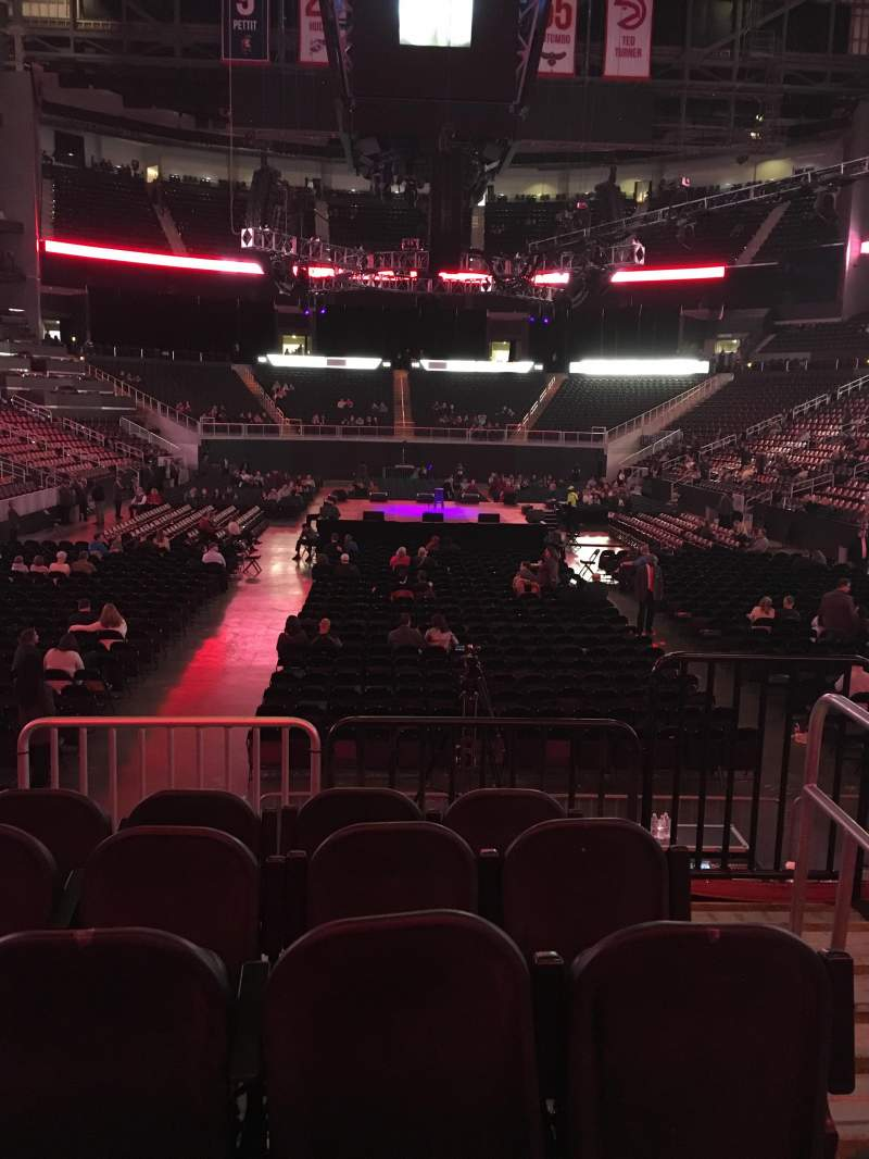Philips Arena, section: 121, row: E, seat: 2