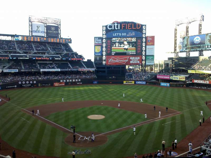 Seating view for Citi Field Section 318 Row 3