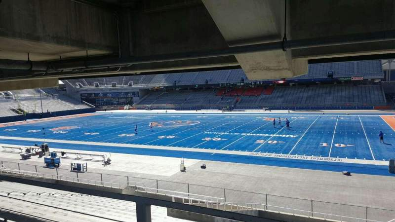 Albertsons Stadium, section: 21, row: W, seat: 5