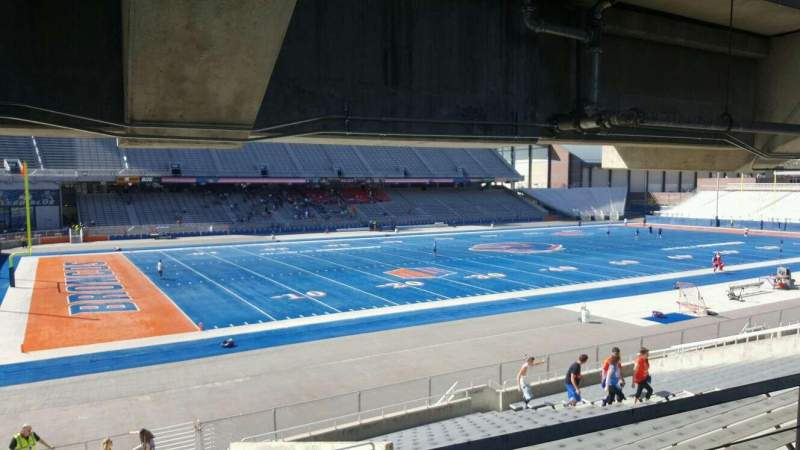 Albertsons Stadium, section: 26, row: T, seat: 24