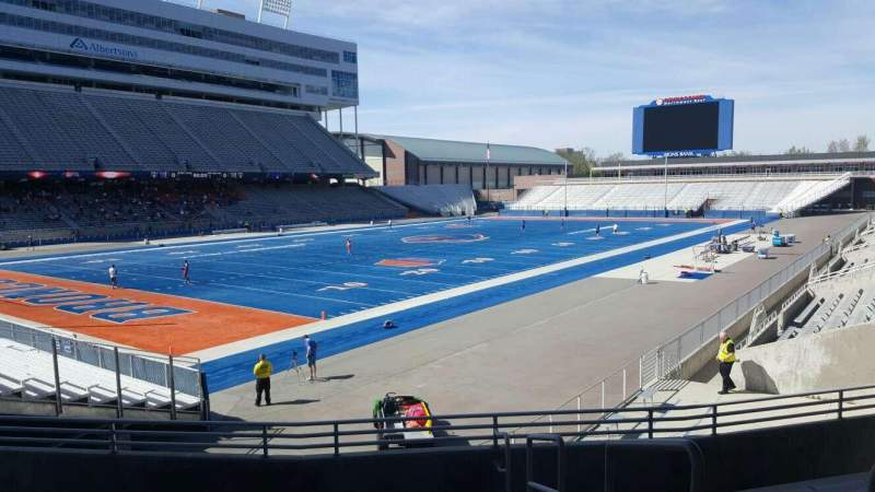 Albertsons Stadium, section: 28, row: S, seat: 1