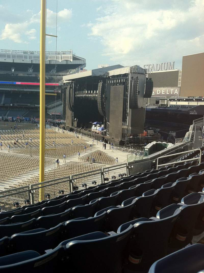 Seating view for Yankee Stadium Section 208 Row 8 Seat 17