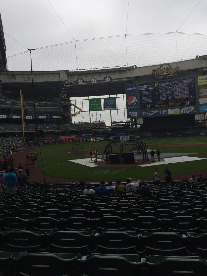 Seating view for Miller Park Section 117 Row 19 Seat 15