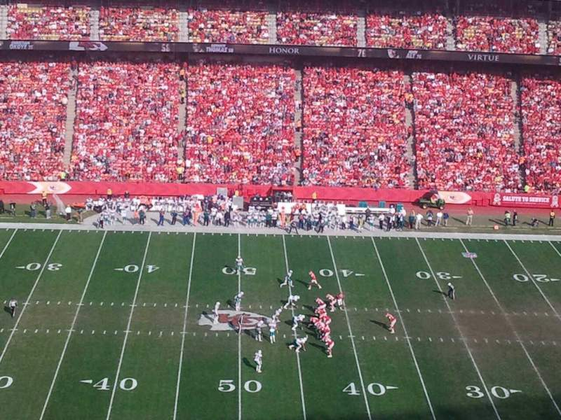 Seating view for Arrowhead Stadium Section 324 Row 33 Seat 15