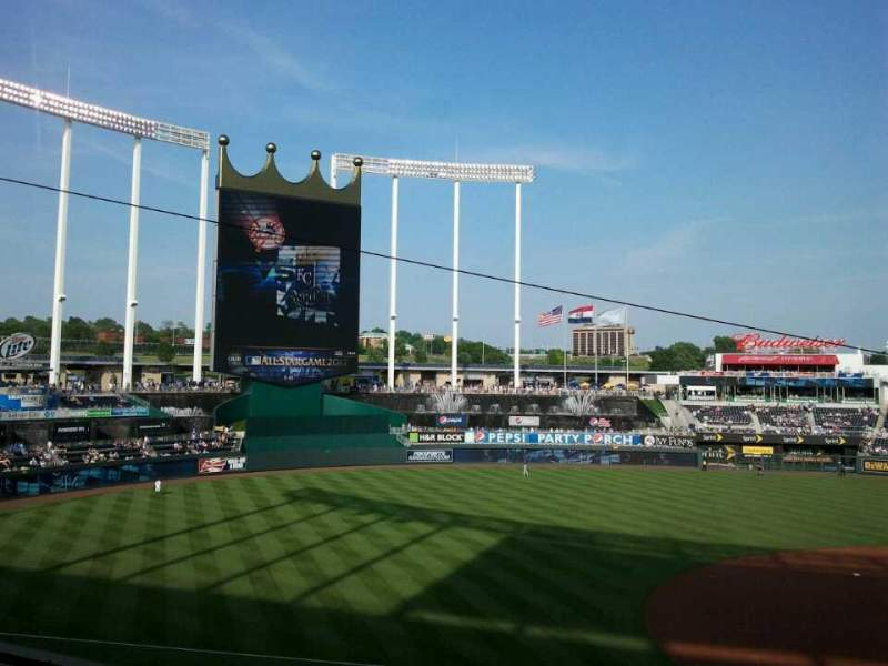 Seating view for Kauffman Stadium Section 304 Row B Seat 19