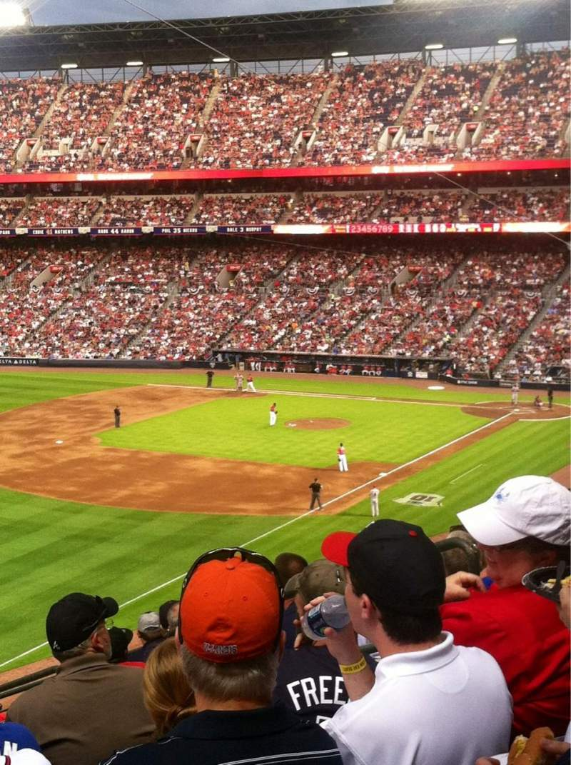 Seating view for Turner Field Section 324 Row 9 Seat 6