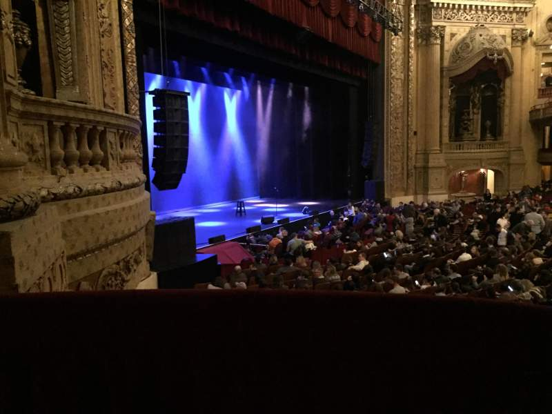 Chicago Theatre, section: BOX, row: Z, seat: 1