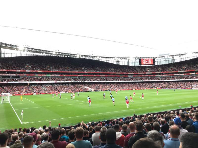 Seating view for Emirates Stadium Section 20 Row 18 Seat 619