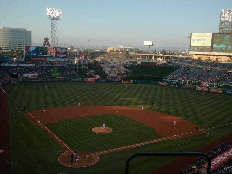 Seating view for Angel Stadium Section V420 Row D Seat 15