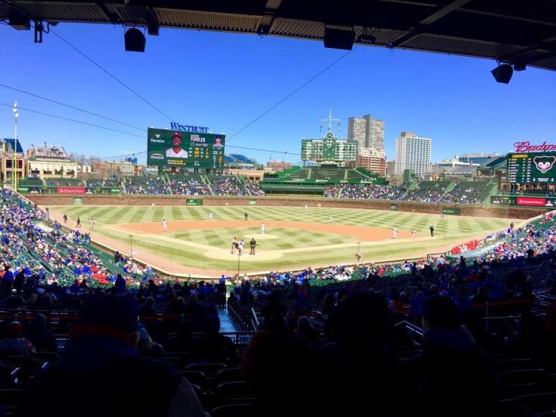 Wrigley Field, section: 222, row: 11, seat: 4