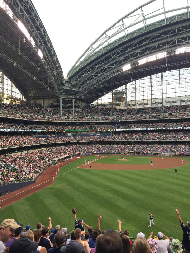 Seating view for Miller Park Section 203 Row 12 Seat 21