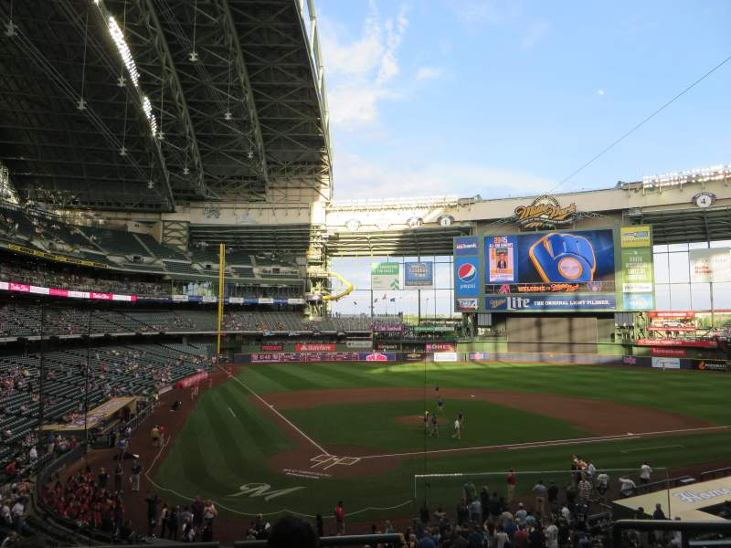 Seating view for Miller Park Section 217 Row 4 Seat 19