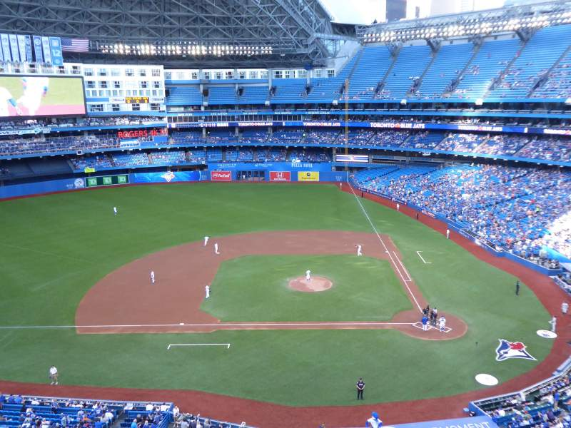 Rogers Centre, section: 528L, row: 1, seat: 108