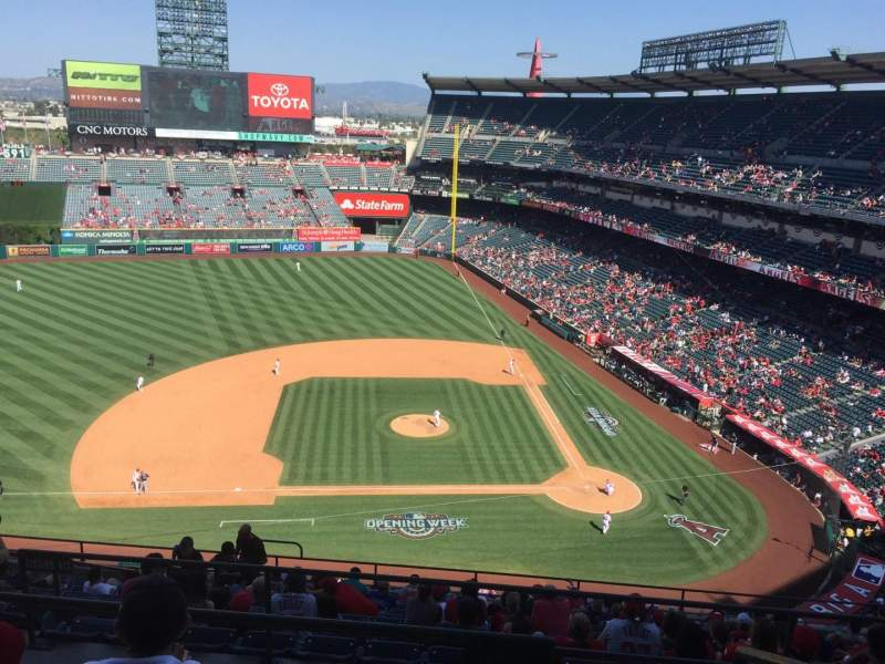 Seating view for Angel Stadium Section V514 Row D Seat 17