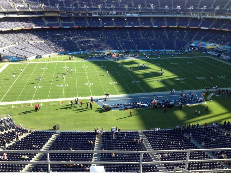 Seating view for Qualcomm Stadium Section V3 Row 5 Seat 7