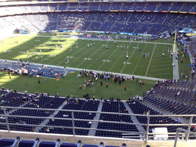 Seating view for Qualcomm Stadium Section V10 Row 5a Seat 7