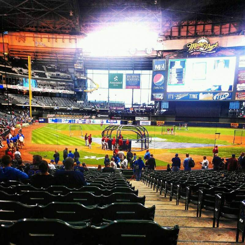 Seating view for Miller Park Section 117 Row 21 Seat 24