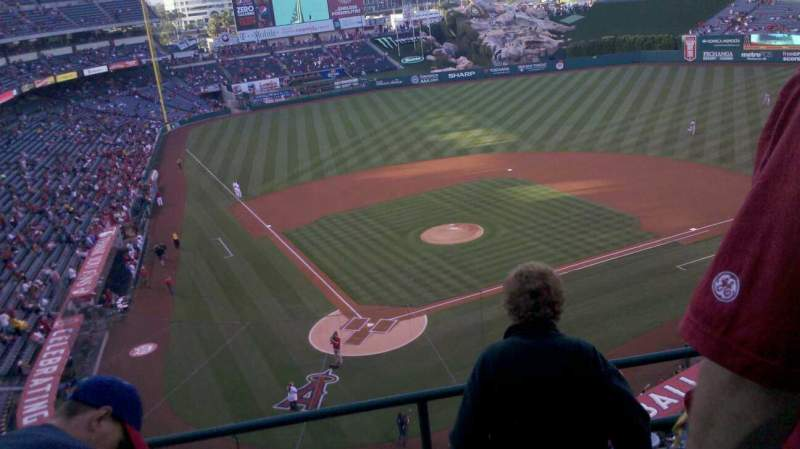 Seating view for Angel Stadium Section V421 Row d Seat 10