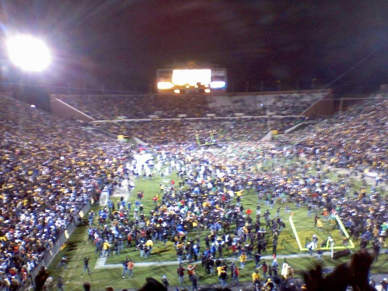 Seating view for Kinnick Stadium Section Old 136 Row 42 Seat 25