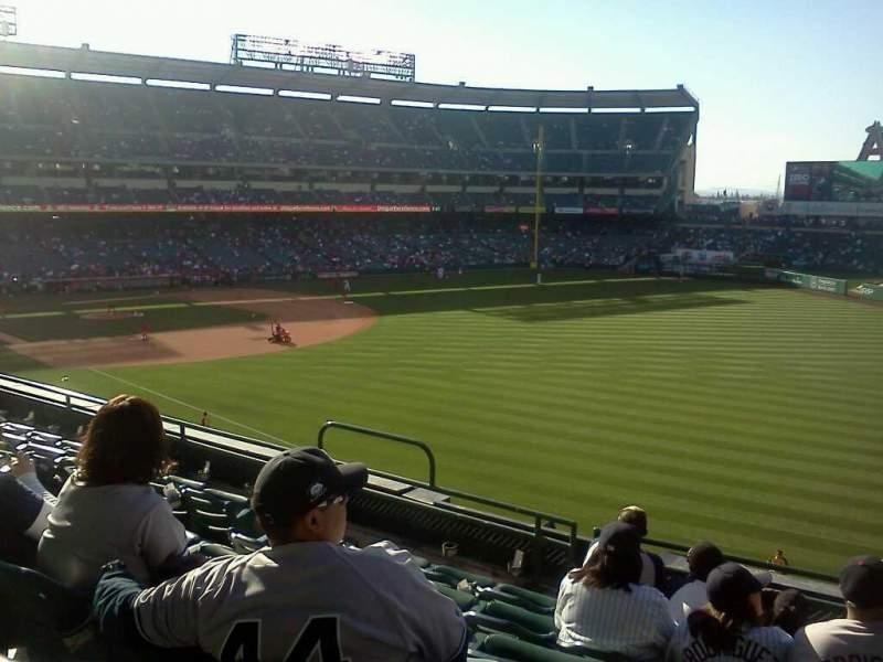 Seating view for Angel Stadium Section 346 Row f Seat 11