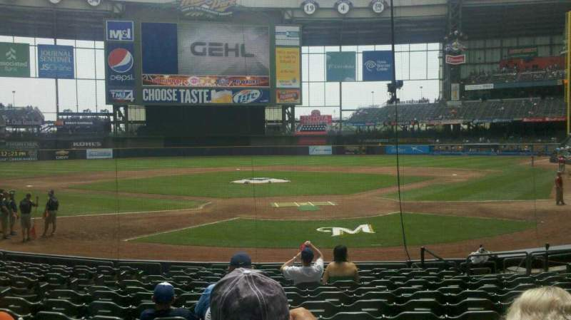 Seating view for Miller Park Section 118 Row 15 Seat 13