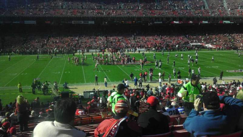 Seating view for Candlestick Park Section LE27 Row 30 Seat 3