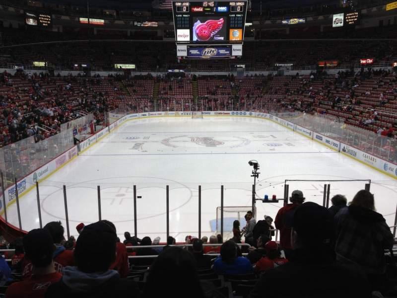 Joe Louis Arena, section: 115, row: 17, seat: 3