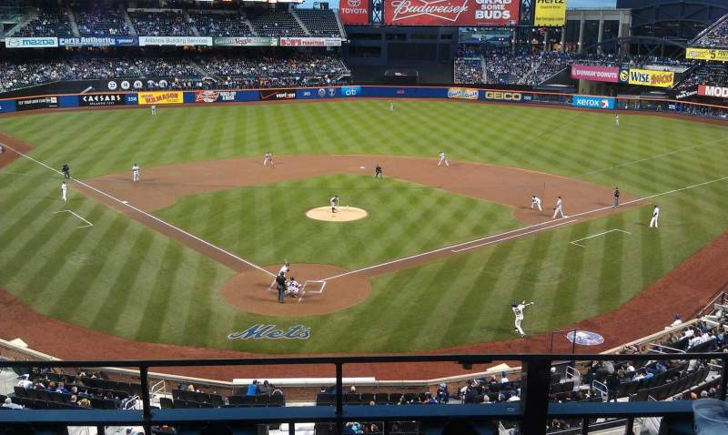 Seating view for Citi Field Section 318 Row 2 Seat 7