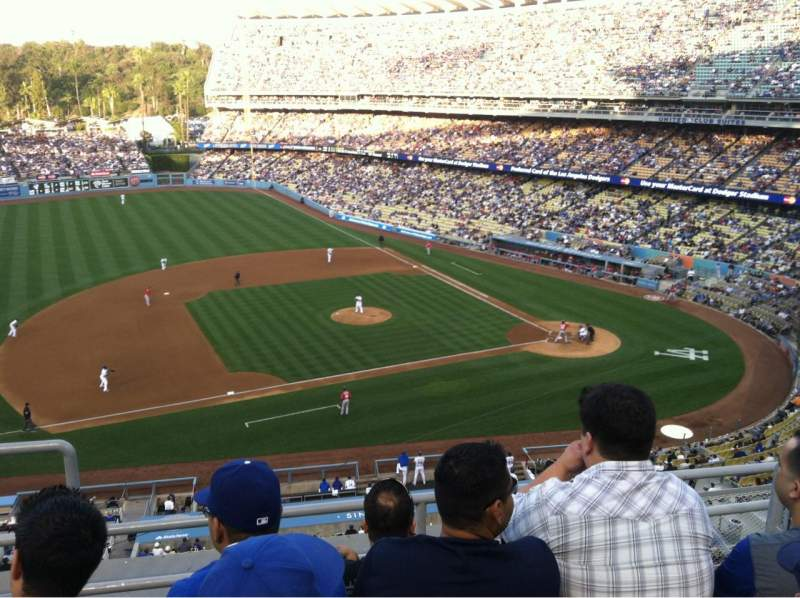 Seating view for Dodger Stadium Section 17RS Row D Seat 21