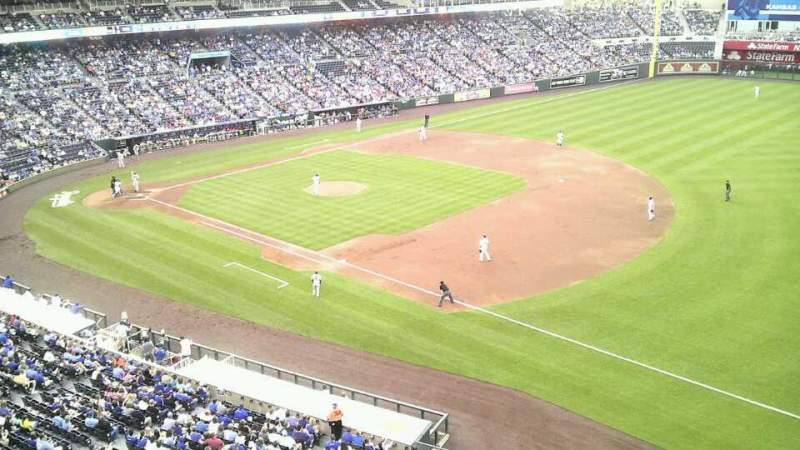 Seating view for Kauffman Stadium Section 434 Row a Seat 8