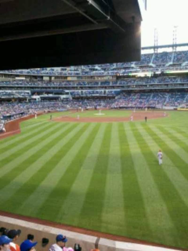 Seating view for Citi Field Section 101 Row 14 Seat 19
