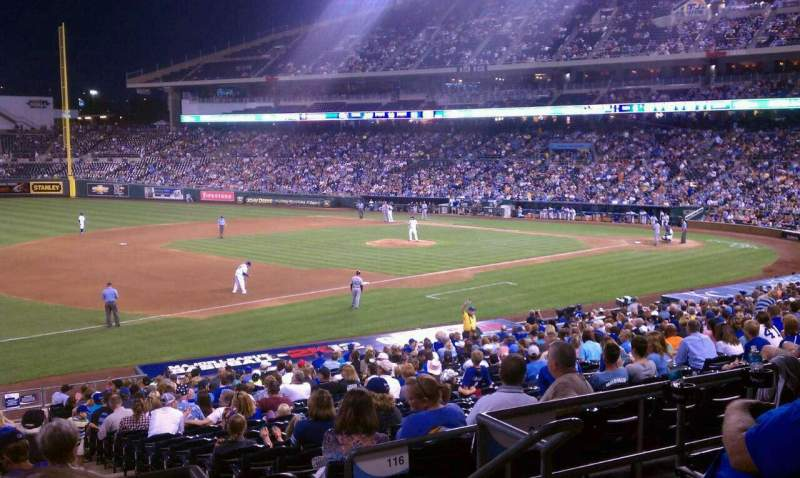 Seating view for Kauffman Stadium Section 215 Row Cc Seat 11