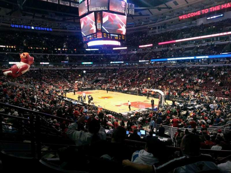 Seating view for United Center Section 119 Row 19 Seat 22