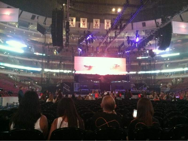 Seating view for United Center Section 6 Row 19 Seat 4