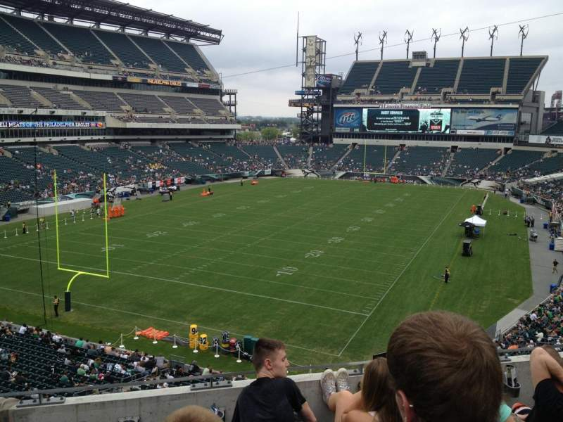 Seating view for Lincoln Financial Field Section M13 Row 4 Seat 7