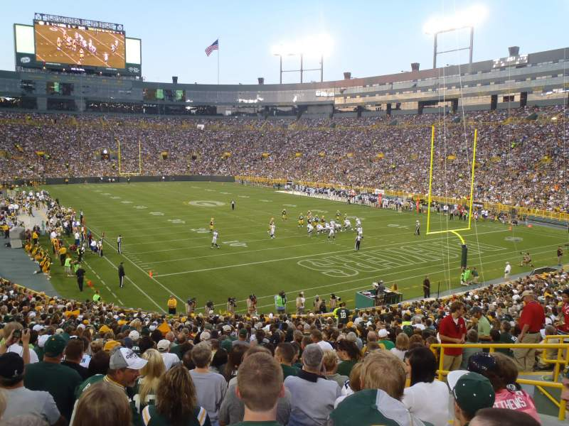 Lambeau field section 134 row 33 seat 18 green bay packers vs