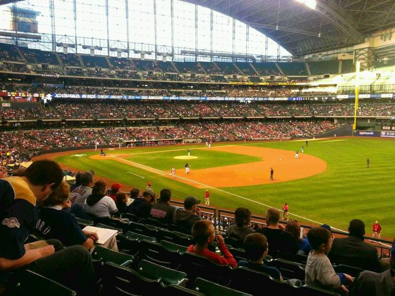 Seating view for Miller Park Section 209 Row 7 Seat 18