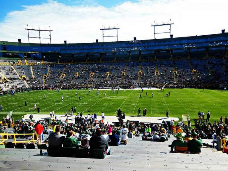 Seating view for Lambeau Field Section 122 Row 38 Seat 16