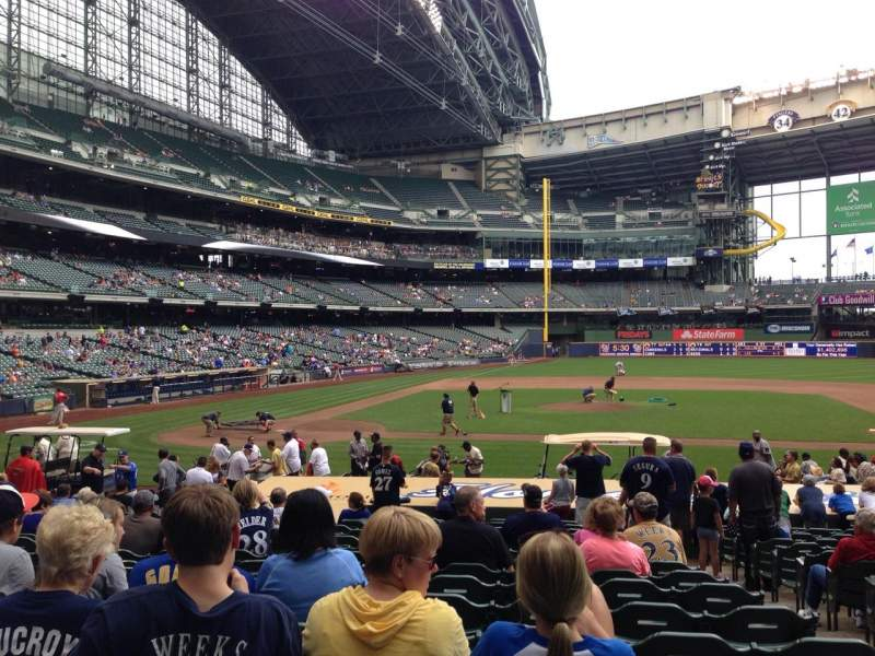 Seating view for Miller Park Section 114 Row 19 Seat 16