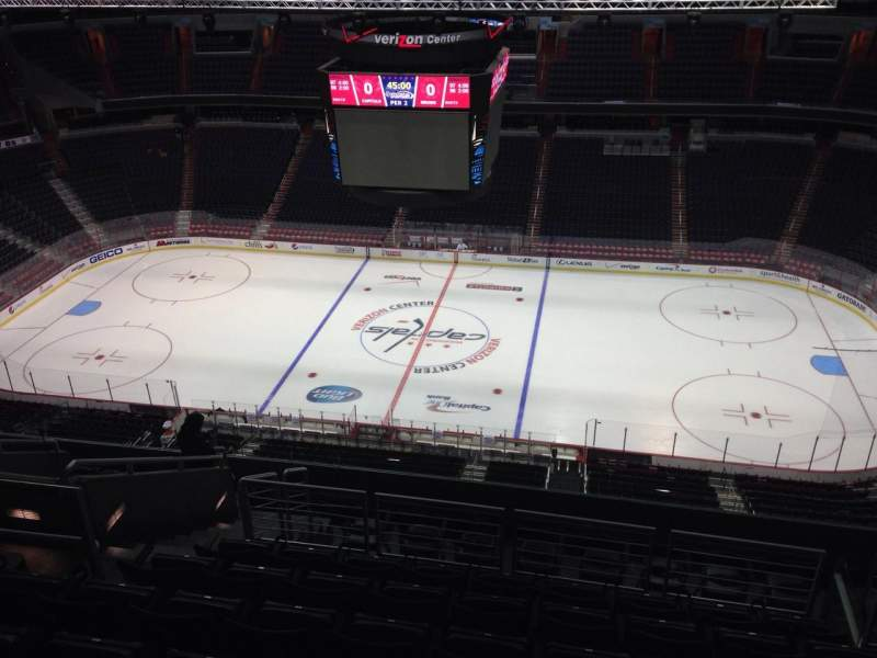 Seating view for Capital One Arena Section 401 Row M Seat 9