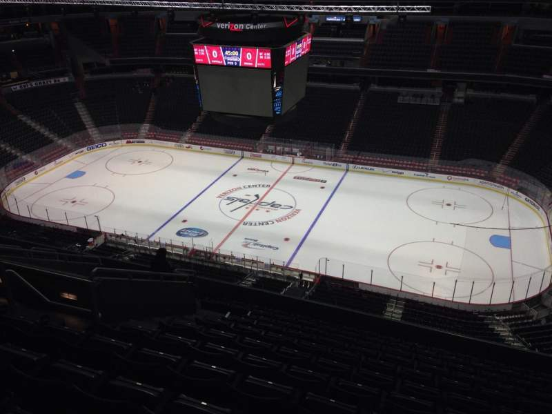 Seating view for Verizon Center Section 402 Row M Seat 9