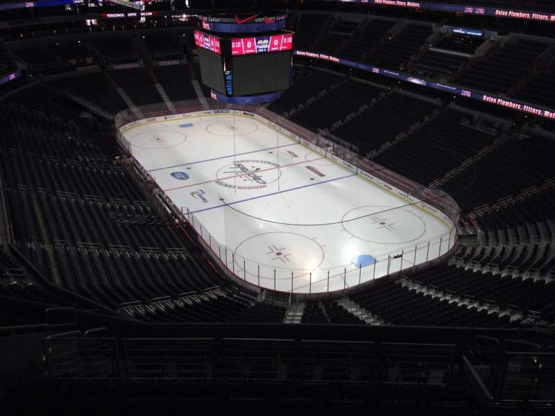 Seating view for Capital One Arena Section 406 Row M Seat 11